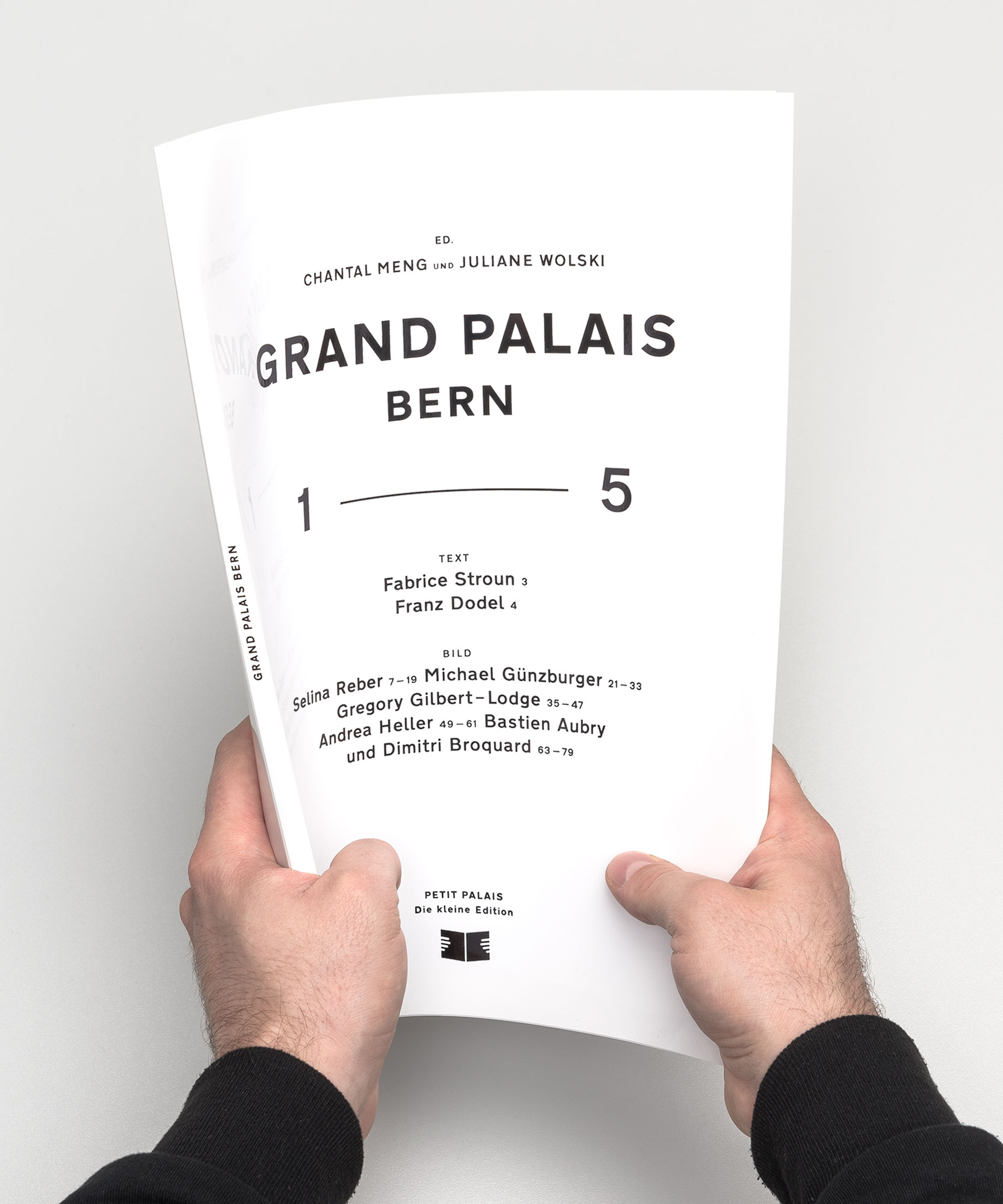 Grand Palais – 1—5, hands portrait ©Atelier Pol × Barbara Hess